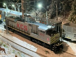 Athearn Genesis G68556 Kansas City Southern SD70ACe #4013 DCC Ready HO Scale