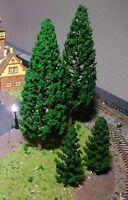 20 dunkelgrüne Tannen, Nadelbäume, je 10 Stück 78 und 150 mm hoch