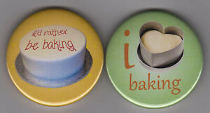 Pair of baking badges - for cake makers and cookery lovers - 2 pin buttons