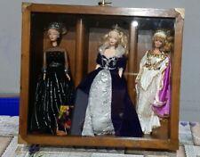 Bacheca Con 3 Barbie Da Collezione