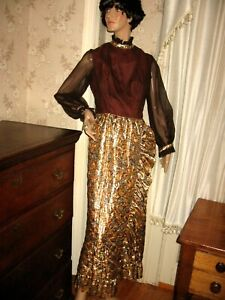 LOVELY VINTAGE 1960-70 QUILTED METALLIC GOLD LAME/BROWN HOSTESS GOWN-MAXI DRESS