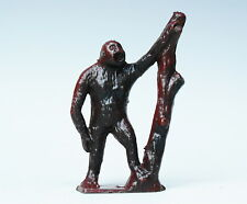 CRESCENT METAL ZOO SERIES ANIMALS - GORILLA with tree trunk - Part-painted BROWN