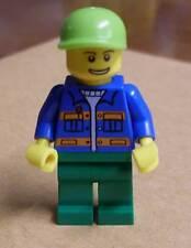 Lego Figur grün blau mit Kappe Stadtbewohner City Town Stadt Neu