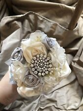 Ivory Silver Bridal Bridesmaid Bouquet Alternative Brooch Ribbon Floral  New