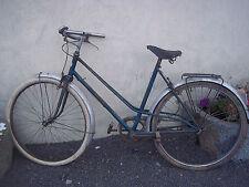 vélo femme ancien.