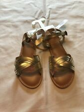 Girls Crazy 8 Gold Sandals size 2-NWT