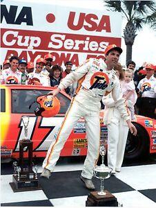 BEAUTIFUL NASCAR DAYTONA 500 WINNER DARRELL WALTRIP  8X10 PHOTO W/BORDERS