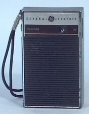 Vintage GE General Electric Solid State AM Transistor Palm Radio P-2790