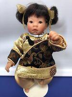 "9"" Lee Middleton Dolls Miniatures ""China "" Reva Schick COA W/ Box Vinyl No. 3689"