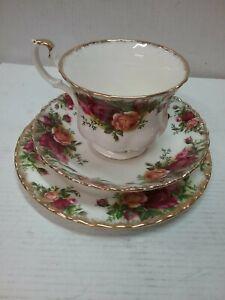 Original Royal Albert trio tea set, Old Country Rose's.