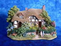 LILLIPUT LANE Meadowsweet Cottage - Collector's Special - 1996/97 Model/Ornament