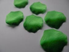 100 two tone green VARIEGATED QUALITY THICK SILK ROSE PETALS WEDDING/CONFETTI