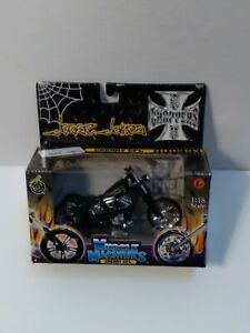 Muscle Machines West Coast Choppers Jesse James CHERRY CFL 1:18 Scale
