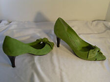 SALVATORE FERRAGAMO GREEN SUEDE LEATHER PEEP TOE HEELS SIZE 5B W/CLOTH BAG#39