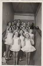 Vintage Foto Hübsche süße Mädchen im Ballett Kleid 30er Jahre mit Lehrerin
