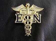 UK ~ EN ENROLLED NURSE GOLD MEDICAL LOGO UNIFORM LAPEL PIN BADGE