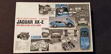 Gunze Sangyo Jaguar XK-E 1/24 High Tech Scale Model Kit