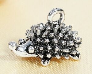 5 ANTIQUE SILVER 3D HEDGEHOG CHARMS/PENDANTS 17X10mm  JEWELLERY CRAFTING (93H)