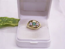 BRILLANT-RING & SMARAGD: 585er GELBGOLD: 2 BRILLANTEN ca 0,30 ct: GR.:52/16,5 mm