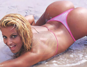 Trish Stratus 8.5x11 (1 photo) thong In The Surf