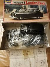 Revell plastic 1:24 Austin FX4 London Taxi model kit