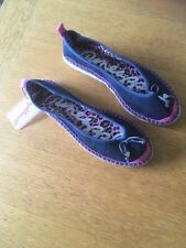 Pineapple Ladies Casual Canvas Shoe In Navy Size Uk7 Eu40