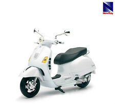 NEW RAY TOYS 1:12 SCALE VESPA GTS 300 SUPER WHITE replica new box model scooter