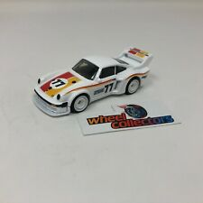 Porsche 934.5 * Hot Wheels 1:64 Scale Diorama Diecast Model * F1755