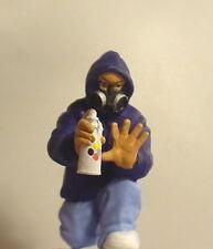"""Graffiti """"Tagger"""" Figurine Miniature  Style B 1/24 Scale G Scale Diorama Item"""