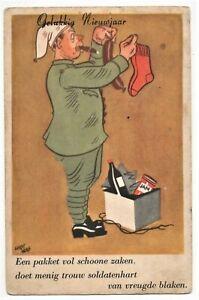 AK Neujahr, Soldat mit Zigarre, Wurst und Socken
