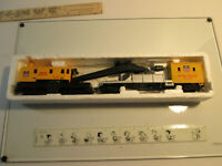 Bachmann UP M of W 12277 Boom Crane & 23158 Boom Tender Car - UNTESTED