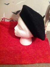 Chic quality, New Wool beret , BLACK 100 % wool, one size, tags.