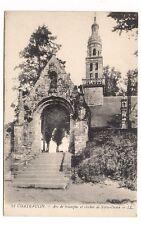 chateaulin , arc de triomphe et clocher de notre-dame