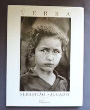 SEBASTIAO SALGADO  TERRA  Ed de La Martinière 1997 poèmes de CHICO BUARQUE