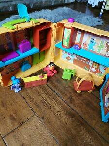 Cbeebies The Furchester Hotel Toy Playset & Figures in Carry Case