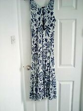 Luca vanucci dress white and navy size Large