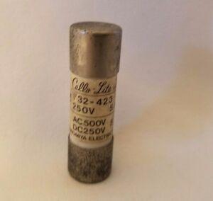 Utsunomiya Cello-Lite 32-423 250V 5A 5 Amp Fusible AC500V DC250V