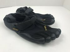 Mens 39 Vibram M148 Five Fingers black shoes