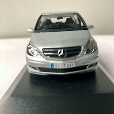 Mercedes-Benz classe B 1/43 Minichamps Polar Silver
