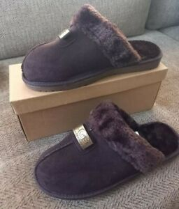 Ladies Slippers Size 7