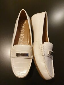 Calvin Klein Womens Flat Loafer Shoes White size 6 Brand New