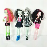 lot 4 -Monster High Dolls no missing limbs! Frankiex2/Draculaura/Venus McFlytrap