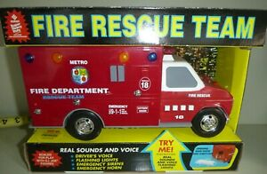 FUNRISE FIRE RESCUE TEAM AMBULNCE FORD TRUCK BATTERY OPERATED TOY 4925025