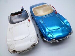 VINTAGE CORGI 336 375 TOYOTA 2000 GT PAIR JAMES BOND  / WHIZZWHEELS 1960/70s