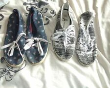 Atmosphere Lace-up Floral Flats for Women