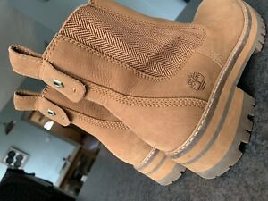 Women's timberland boots size 6 In VGC