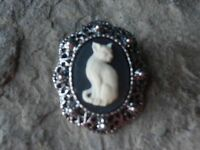 GORGEOUS KITTY CAT CAMEO BROOCH -PIN - (CREAM ON BLACK)!!! QUALITY, KITTEN