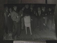 Photo de presse vintage Universal photo Paris le twist 1963 Claudine Coppin