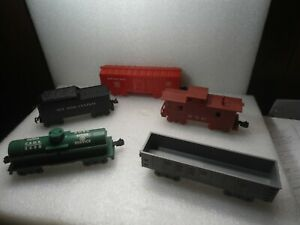 5 Vintage Marx Train Cars---See Pictures-- Very Good Condition