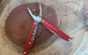 Leatherman Juice C2 Red multi-tool MADE IN USA - Great Condition - N20
